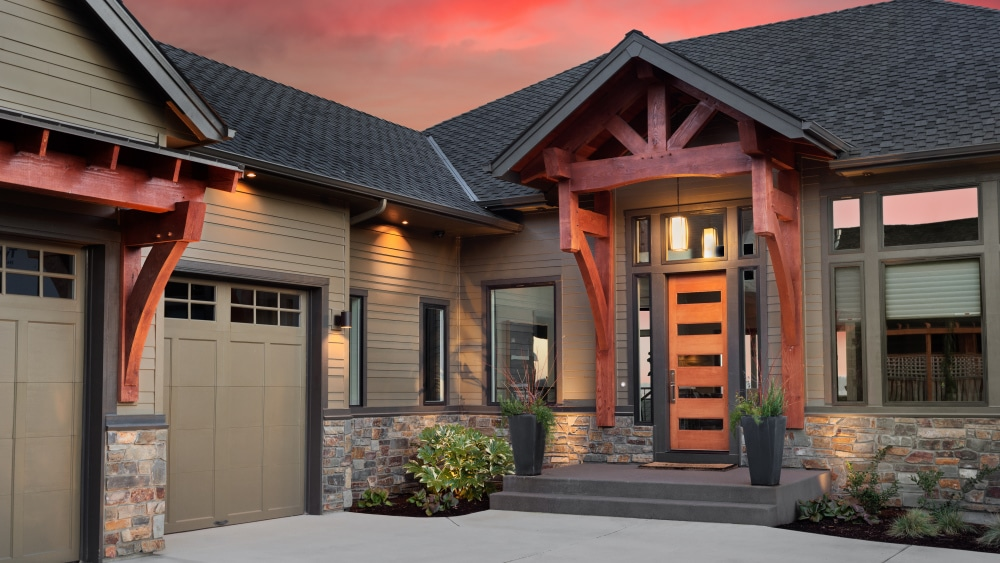 A nice looking house at night.